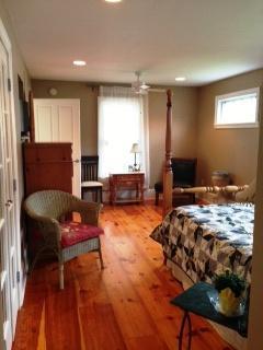 1st fl master - Rural mini Estate  and Quaint cottage - Milford - rentals