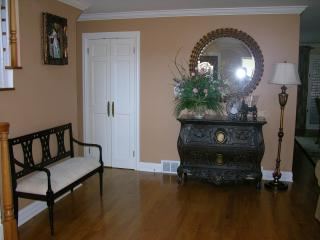 ENTIRE Home in Chicago-Lincolnwood - Lincolnwood vacation rentals