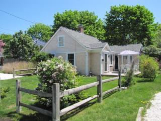 Seaside Cape Cod Escape Norris Cottage - Hyannis vacation rentals