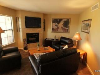 One Bedroom Condo at Skyline Villas with Mountain Views Near La Encantada Mall - Southern Arizona vacation rentals