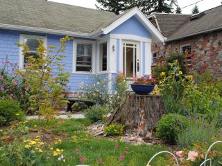 Sweet 1920's cottage in North Seattle - Seattle vacation rentals