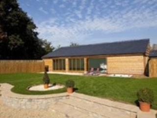 400 Year Old Luxury Converted Barn, Sleeps 14 - Wellington vacation rentals