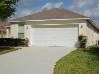 611 4 Bed home with Pool & Hot Tub Gated Community - Davenport vacation rentals