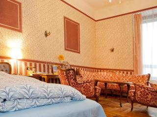 Apartment Josephine - Heart of Budapest - Budapest vacation rentals