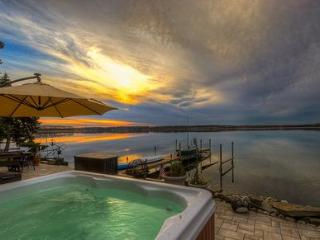 Cayuga Wine Trail Lakefront Home Hot Tub Sleep 10 - Cayuga Lake vacation rentals