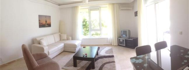 Nice light living room - Obasaray 2 Apartment, with pool and close to the beach - Alanya - rentals