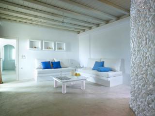 Beautiful & spacious Suite in Pollonia - Milos vacation rentals