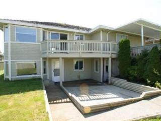Furnished - Large, Bright 2bedroom plus flex suite - Surrey vacation rentals
