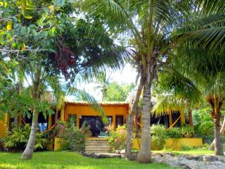 Luxurious Romantic Getaway - Laguna Bacalar MEXICO - Bacalar vacation rentals