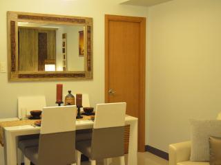 Classy New 1 Bedroom Apartment - Greenbelt Makati - Makati vacation rentals