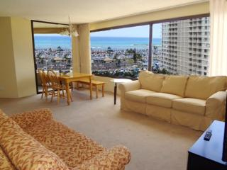 Spacious Oceanview 2BR Apt - Honolulu vacation rentals