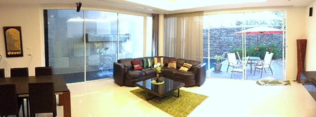 Livingroom with access to the swimming pool - 35B Luxury 3 br house, private sw. pool - Kamala - rentals
