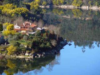Waterfront apartment at a nature preserve in Central Portugal - Coimbra vacation rentals