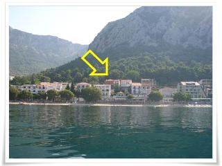 Beautiful Apartment with A/C and Satellite Or Cable TV - Gradac vacation rentals