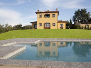 Villa with Pool Near Cortona in the Valdichiana - Villa Etrusca - Marciano Della Chiana vacation rentals