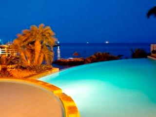 3 Bedroom Luxury Condo  Beachfront Salinas - Salinas vacation rentals