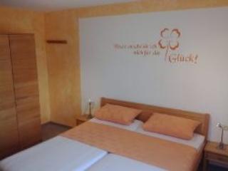 Vacation Apartment in Creglingen - 807 sqft, quiet, idyllic, comfortable (# 4181) - Creglingen vacation rentals