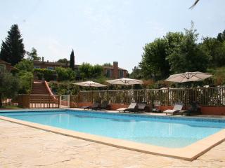 Gite de la Lavande, Pet-Friendly 3 Bedeoom Cottage with Hot Tub - Var vacation rentals
