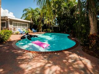 Clearwater Beach Cabana - 7 Bdrs - Private Pool - Clearwater Beach vacation rentals