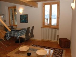 Holiday rental Porlezza - Second floor (sleeps 6) - Porlezza vacation rentals