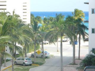 Excelent Luna maya, Noche 5. - Playa del Carmen vacation rentals