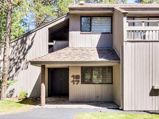 Dog-friendly home w/ shared pools, hot tub, sports courts & entertainment! - Sunriver vacation rentals
