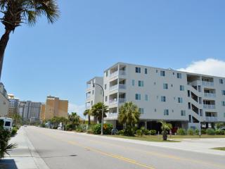 Ocean Breeze 1A 3BR across from beach, spacious!!! - North Myrtle Beach vacation rentals