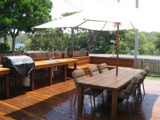 Perfect House with Deck and A/C - Wooli vacation rentals