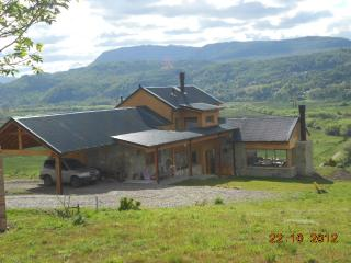 Amazing view , comfortable house, in the outskirts of San Martín de los Andes Patagonia Argentina - San Martin de los Andes vacation rentals