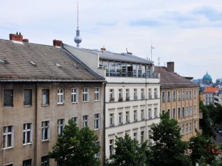 City-Center 3-room Apartment in P-berg / Mitte! - Berlin vacation rentals