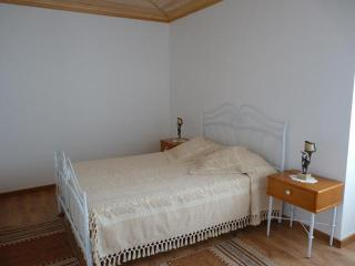 2 bedroom Cottage with Internet Access in Batalha - Batalha vacation rentals