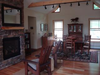 Spacious 4 bedroom Chalet in Minerva - Minerva vacation rentals