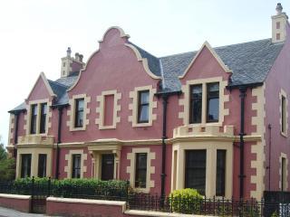 Cairn Dhu - Failtè -  Stornoway Apartment - Stornoway vacation rentals