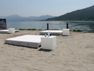 Iseo Lake apartment per 8/10 person with garden - Iseo vacation rentals