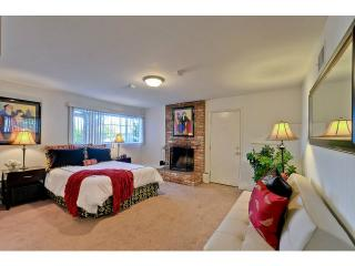 1 bedroom Apartment with Internet Access in Redwood City - Redwood City vacation rentals
