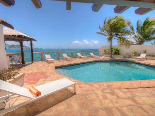 LA VISTA GRANDE...water front villa, short walk to Simpson Bay or Burgeoux Bay - Beacon Hill vacation rentals