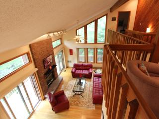 Creek front, Spacious and clean.Sleeps 8-10. Near - Poconos vacation rentals