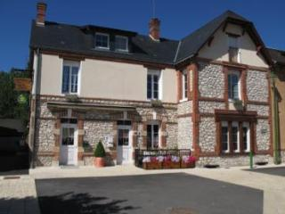 Les Tilleuls bed and breakfast - Loir-et-Cher vacation rentals