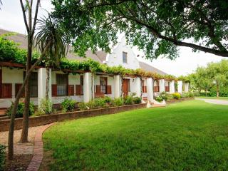 Beausoleil - cosy accommodation for a couple - Montagu vacation rentals