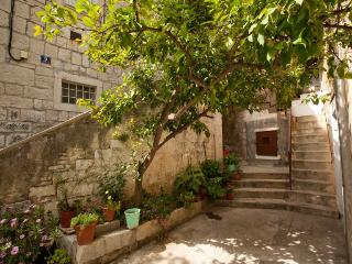 Apartman in the hart of old town - Split vacation rentals