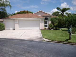 Beautiful pool home on cull de sac with fenced side yard for pets - Marco Island vacation rentals