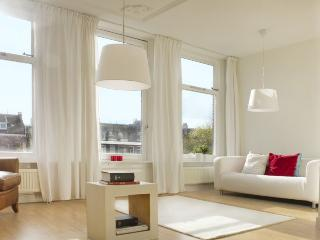 Amsterdam Penthouse City Center on canal: 3 bedroo - North Holland vacation rentals