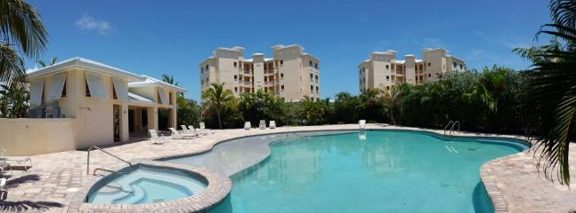 pool and hot tub - waterfront condo, directly across from Beach - Freeport - rentals