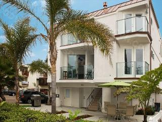 Newly Constructed Luxury  3-Bedroom/3-bath in South Mission Beach - Pacific Beach vacation rentals