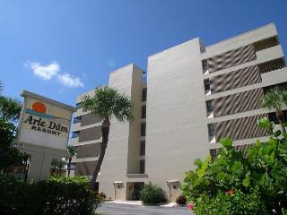 Arie Dam 201 - Spacious corner condo gulf front with exceptional views - Madeira Beach vacation rentals