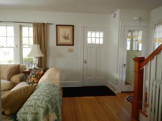 Classic, Comfortable, in Downtown Burlington - Burlington vacation rentals