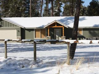 Just South of Sunriver - Hot tub + Pet Friendly - Bend vacation rentals