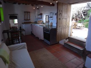 Rustic apartment in Las Alpujarras, Sierra Nevada. - Valor vacation rentals