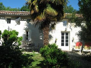 Gite du Calme B&B near Cognac SW France - Thezac vacation rentals
