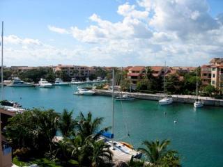 Solar-Powered Penthouse-2 BR-Rooftop Ocean Views - Puerto Aventuras vacation rentals